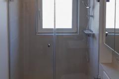 Glastüren für eine Dusche